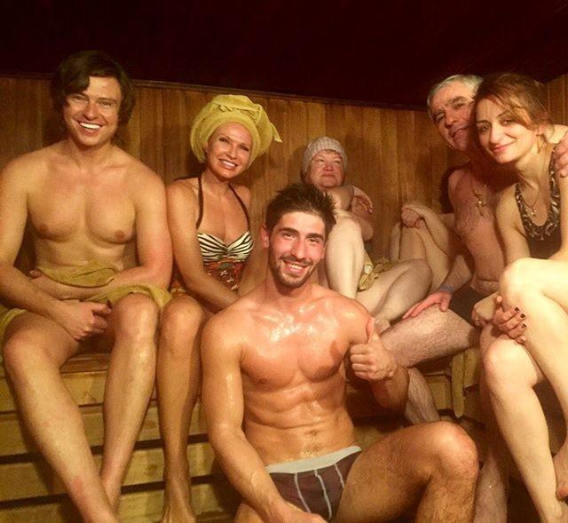Секс у русских в бане группа порно