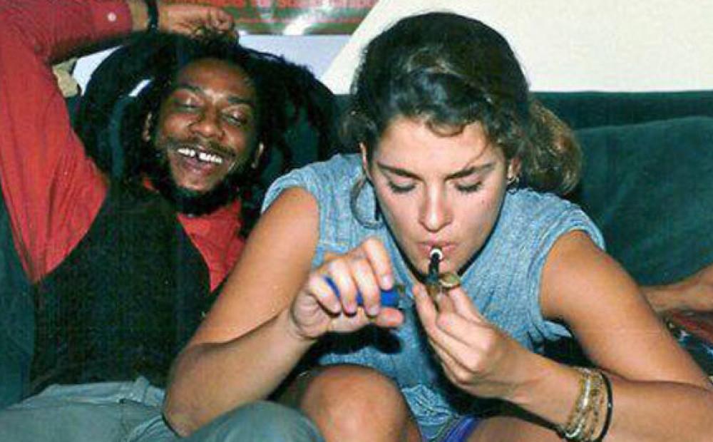 Знаменитости курят марихуану заваривать конопли