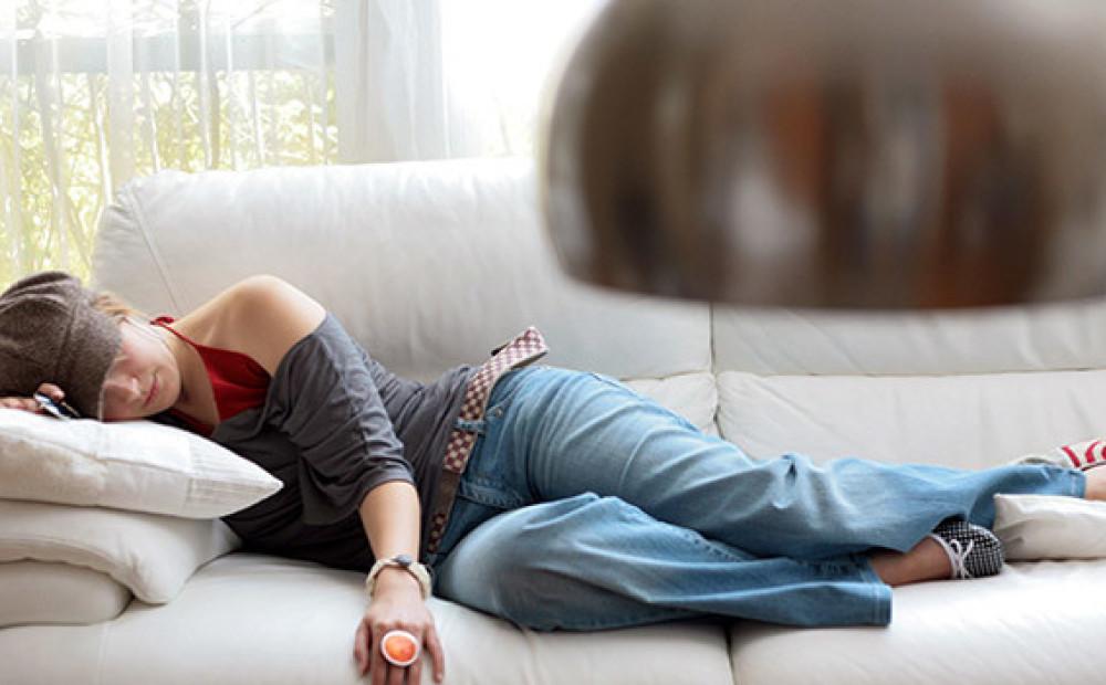 Slikts garastāvoklis, miegainība un galvassāpes. Kā apgaismojums ietekmē Tavu dienas ritmu