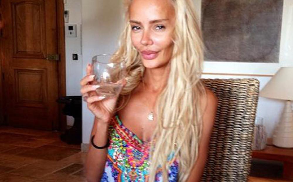 Фото русских жен олигархов в купальниках