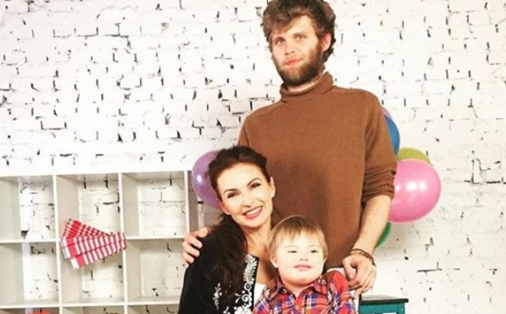 Станислав бондаренко с женой и сыном фото