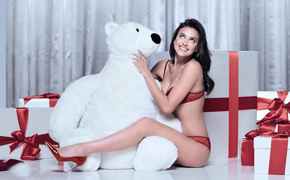 Ирина шейк поделилась рождественской фотографией