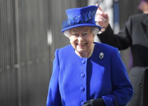 Karaliene Elizabete II