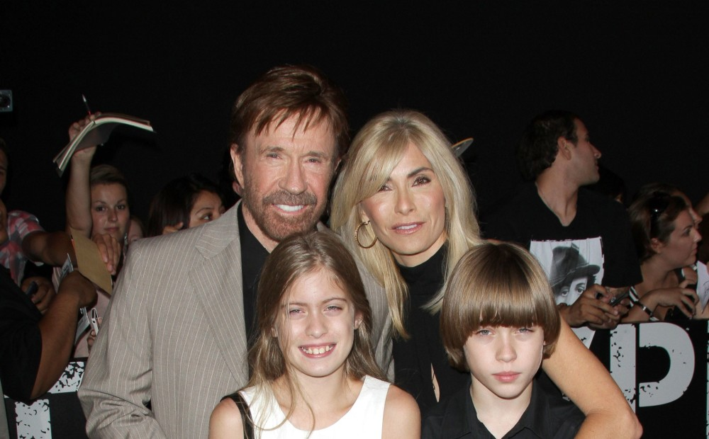 anal-six-picture-chuck-norris-wife-sisters