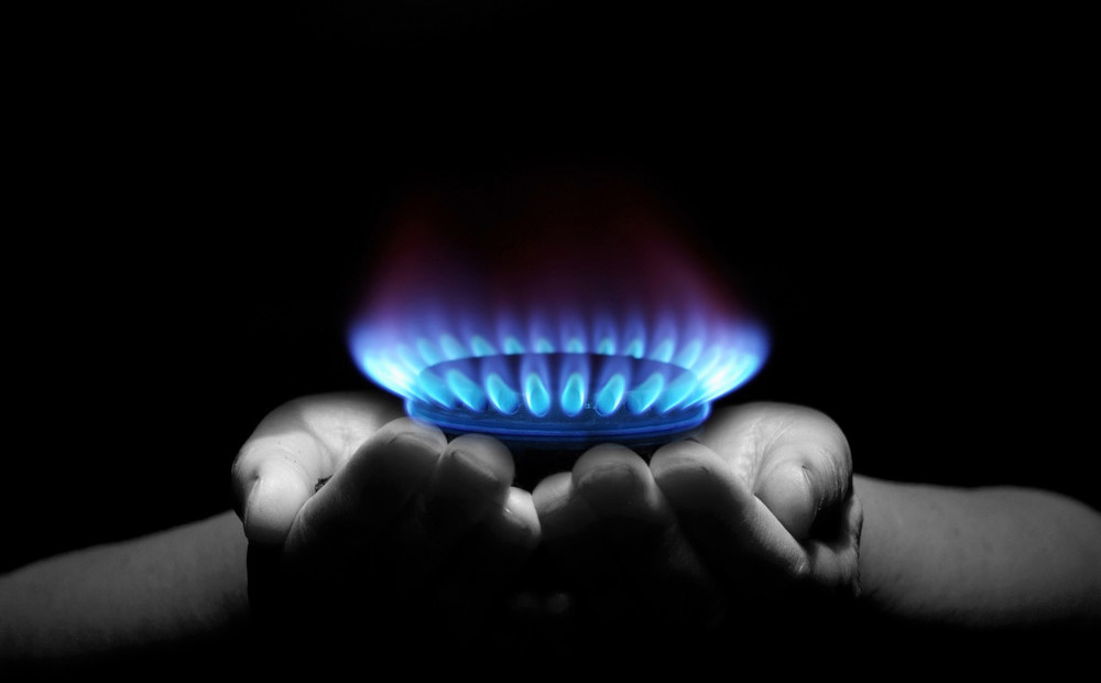 natural gas is a clean burning transition Methane (us: / ˈ m ɛ θ eɪ n / or uk: / ˈ m iː θ eɪ n /) is a chemical compound with the chemical formula ch 4 (one atom of carbon and four atoms of hydrogen)it is a group-14 hydride and the simplest alkane, and is the main constituent of natural gasthe relative abundance of methane on earth makes it an attractive fuel, though capturing and storing it poses challenges due to its.
