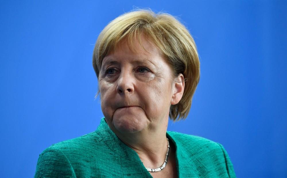 Политолог: Меркель делает реверанс в сторону США, обвиняя Россию в прекращении ДРСМД